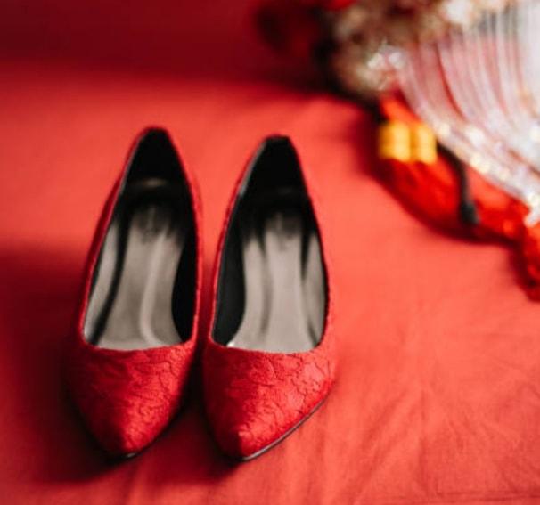 靴向けの販売しているトレンドカラーをご提案